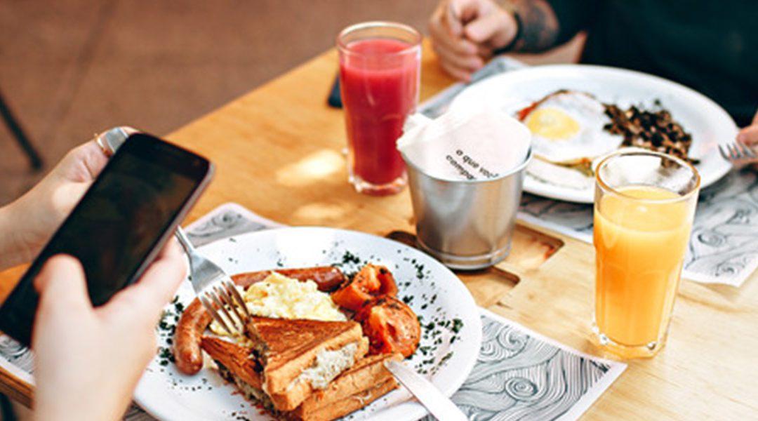 Was tun gegen das Mittagstief – So beeinflusst die Ernährung unser Wohlbefinden